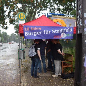 Aktion des Bürgervereins für Haltestellenhäuschen am Adelheidring