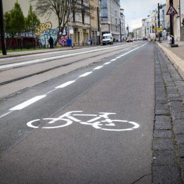 Große Diesdorfer Straße: Eigene Spur für Radfahrer